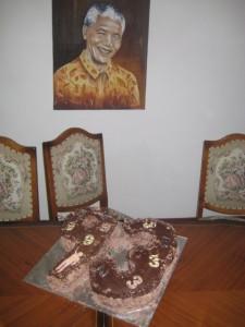 mandela-house-painting-and-cake-whale-cottage-portfolio1-225x300